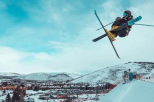 Cómo hacer un Backflip en los esquís