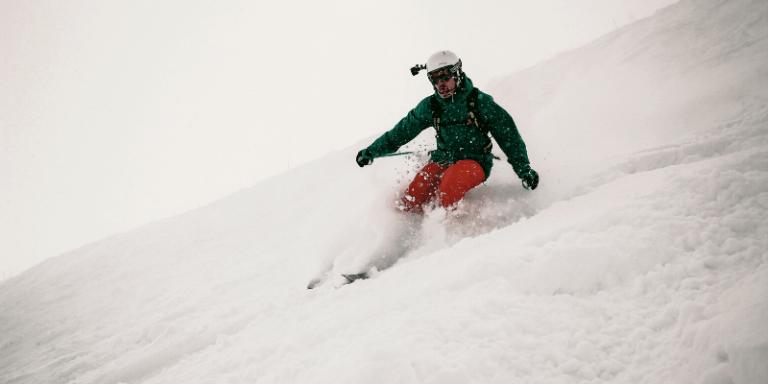 Cómo montar un GoPro en un casco de esquí
