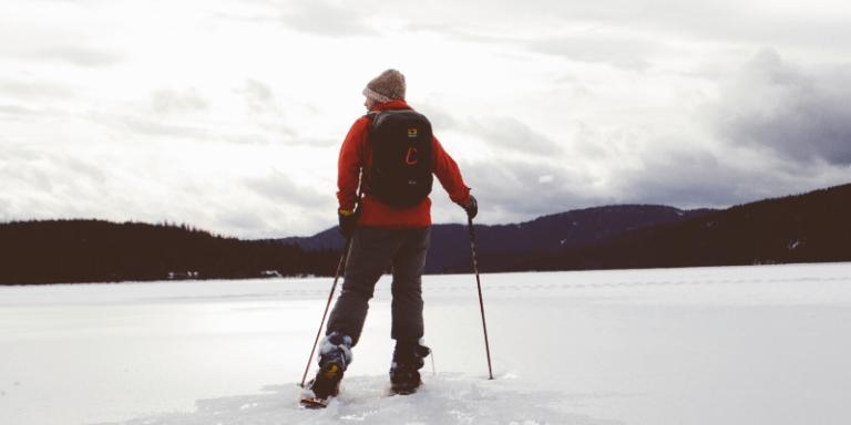 ¿Qué hay que empacar para un viaje de esquí?
